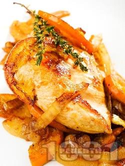 Задушено пилешко филе от гърди с портокал, чесън и лук на тиган - снимка на рецептата
